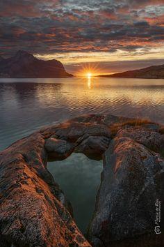 Heart greetings from Skotsfjorden Steigen commune northern norway ##Landscape ##nature ##norway ##visitnorway ##mountains ##nordland ##autumn2017 ##... - marcus de roos - Google+