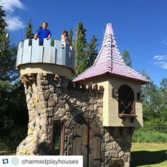 """A Canadian man's """"stupid idea"""" to make extravagant playhouses has turned into a dream job in which he gets to bring children's wildest fantasies to life. Castle Playhouse, Kids Playhouse Plans, Playhouse Kits, Backyard Playhouse, Build A Playhouse, Garden Gazebo, Backyard Retreat, Luxury Playhouses, Outdoor Playhouses"""