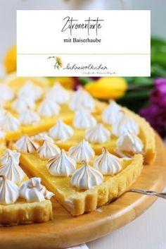 Little spring favorite: lemon tart with meringue - Backen - Pastry Pie Recipes, Baking Recipes, Lemon Icebox Pie, Quiche, Bakers Gonna Bake, Cake Factory, Blueberry Recipes, Pumpkin Dessert, Sweet And Salty