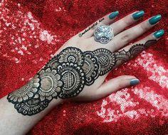 Arabic Henna Designs, Stylish Mehndi Designs, Mehndi Patterns, Bridal Mehndi Designs, Henna Tattoo Designs, Arte Mehndi, Mehndi Art, Henna Mehndi, Hand Henna