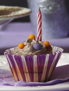 Food for thought: Cupcakes με Μπισκότα Oreo Oreo Cupcakes, Food For Thought, Birthday Candles, Muffins, Thoughts, Party, Muffin, Fiesta Party, Parties