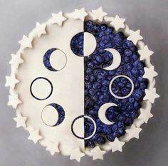 Moon Phases Cake (naturally.jo on Facebook)