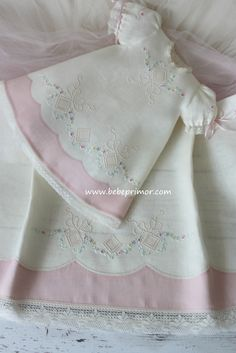 Baby Sewing Projects, Sewing For Kids, Toddler Girl Dresses, Little Girl Dresses, Smocking Baby, Baby Frocks Designs, Hand Embroidery Videos, Baby Dress Patterns, Heirloom Sewing