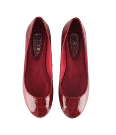 $25 Red Embossed Ballet Flats @ H+M #shoes
