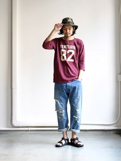 A VONTADE アボンタージ Football T-shirt フットボール ティーシャツ VTD-397-CS 2000s Fashion, Japan Fashion, Boy Fashion, Mens Fashion, Fashion Outfits, Loose Pants Outfit, Estilo Hipster, Japanese Street Fashion, American Casual