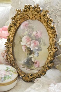The Essence of Femininity ❤︎† ༺♥༻Shelly༺♥༻ from by board… Style Shabby Chic, Chabby Chic, Shabby Chic Homes, Shabby Chic Decor, Shabby Vintage, Love Vintage, Vintage Roses, Romantic Roses, Rose Cottage
