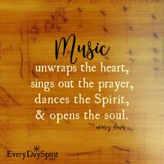 Music soothes the soul. xo Every Day Spirit: A Daybook of Wisdom, Joy and Peace. Rock Music Quotes, Singing Quotes, Song Quotes, Life Quotes, Customer Service Quotes, Super Soul Sunday, New Beginning Quotes, Friendship Day Quotes, Summer Quotes