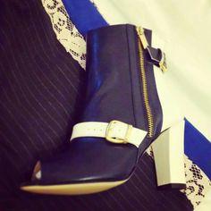 """#Notte con il nostro tronchetto #Alaska pronti per i vostri #Party  """"Lo Stile ai tuoi Piedi!  Shop www.bodegacostaacosta.com  #Madeinitaly #Fashionshoes   Tronchetto Alaska #Stilbodega invia il tuo scatto! ;)"""
