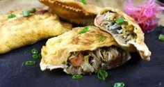 Le pate kòdeest un des mets haïtiens que l'on retrouve principalement dans la cuisine de rue. C'est principalement vendu par les marchands de fritay qui vendent aussi du griot, des bananes pesées, etc. Dans cette recette, je combine des saveurs traditionnelles avec de nouveaux ingrédients... Voir la suite