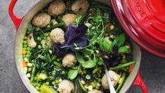 Suppen her kræver ikke mange anstrengelser, men er altid meget populær ved middagsbordet. Her får du opskriften på en grøn minestronesuppe med kødboller