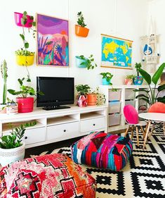 This is seriously the happiest looking playroom ever! showing off her talents, and a special mention must go to our… Quirky Decor, Eclectic Decor, Colorful Decor, Colorful Interiors, Colorful Plants, Indian Home Decor, Diy Home Decor, My Living Room, Living Room Decor