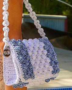 "Chic & Unique by V&R na Instagrame: ""Blue & White #V&Rbubblesbag#luxurious #designer #V&R @vassilisborsis"" Crochet Handbags, Crochet Purses, Crotchet Bags, Handbag Patterns, New Chic, Chanel Boy Bag, Purses And Bags, Sewing Crafts, Pouch"