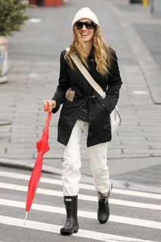 Sarah Jessica Parker wearing Original Short boots in black. http://www.countryattire.com/original-short-2010-blk.html