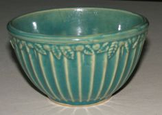 """McCoy Stoneware Pottery Green 5"""" Mixing Bowl Vertical Ribbed Leaves Mold 1920 