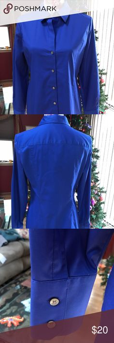 🎀💕NWOT CALVIN KLEIN Top💕🎀 💕🎀This is a vibrant blue NWOT Calvin Klein button down top with double button cuffs.  It is gorgeous and can look very professional coupled with pants or skirt.  Or dress it down with a cami and skinny jeans!  Very feminine fit!💕🎀 Calvin Klein Tops Button Down Shirts