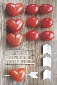 バレンタインに作るお料理はもう決まっていますか?バレンタインといえばハートのマーク♡本命へのプレゼント、いっぱい配りたい友チョコや、お子様が喜ぶお料理にも使える、おしゃれで楽しいハート型のレシピをまとめました。ユニークなアイディアがたくさんあるので、バレンタインに作るお料理に、ぜひ参考にしてみてくださいね。 | ページ1