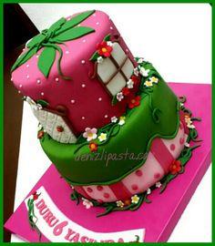 Strawberry Girl Cake Çilek kız pastası