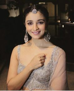 Alia Bhatt actress sexy cleavage images and largest sexy navel images and hot thunder thighs legs pictures and sexy boobs visible images and. Bollywood Celebrities, Bollywood Fashion, Bollywood Actress, Bollywood Style, Beautiful Indian Actress, Beautiful Actresses, Alia Bhatt Lehenga, Aalia Bhatt, Alia Bhatt Cute