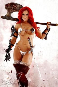 Red Sonja cosplay - must be 100% humidity outfit or something :-)