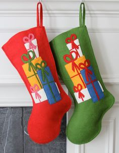 Handmade Wool Felt Christmas Stocking: Celebrate with Gifts and Presents for the Holidays! Merry Stockings, Diy Stockings, Felt Christmas Stockings, Felt Stocking, Felt Christmas Decorations, Christmas Projects, Holiday Crafts, Holiday Boutique, Homemade Christmas