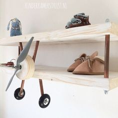 Propellor airplane shelves