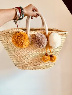 547 meilleures images du tableau Pompons en 2019   Crocheting, Do it ... 5cecd3f0ede