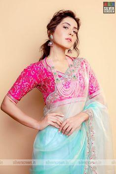 Indian Gowns Dresses, Indian Fashion Dresses, Dress Indian Style, Indian Designer Outfits, Fashion Blouses, Bridal Blouse Designs, Saree Blouse Designs, Salwar Designs, Sabyasachi Sarees