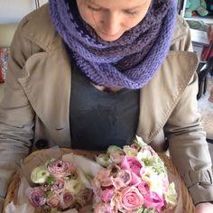 Brudebuket, brudepigebuket og 5 knaphulsblomster - Bryllup marts 2012