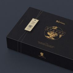 패키지디자인 포트폴리오 보기 | 라우드소싱 | 디자인 외주 | 라우드소싱 Tea Packaging, Packaging Design, Branding Design, Food Branding, Business Branding, Wooden Photo Box, Logo Guidelines, Chocolates, Chinese Design