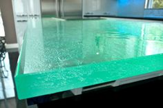 Thermoformed Glass Countertop