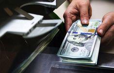 Украинцы из-за границы активно переводят деньги на родину