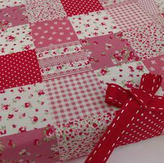 """fat quarter patchwork effect red & pink fabric shabby chic 100% cotton 18 x 22""""   eBay"""
