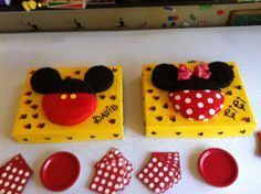 Mickey and Minnie cakes with Oreo crumb frosting