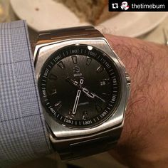 Thanks @gutuna01 for sharing and @thetimebum for capturing the sweet shot  -------- Finally got to check out @gutuna01's @sealswatches over dinner the other night. So nice! - See TheTimeBum.com for watch reviews guides and commentary. #microbrand #womw #wruw #wristwatch #menswear #watchfam #watchnerd #wristshot #instawatch #menswatch #menswear #mensfashion  #watches