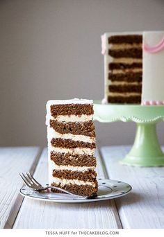 Gingerbread cake, espresso buttercream and toffee bits, perfect for holiday parties and Christmas dessert Christmas Desserts, Christmas Treats, Christmas Baking, Just Desserts, Delicious Desserts, Dessert Recipes, Cupcakes, Cupcake Cakes, Gingerbread Latte