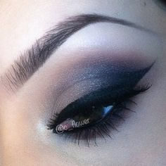 Sexy cat eye liner and brown smokey eyes #hot