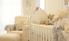 Que tal um enxoval de bebê bem fofo? Você vai ficar maravilhada com esse quarto de bebê com enxoval de ursinhos super fofos. A delicada decoração foi feita pela Puro Amor.