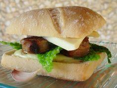 Oc'burger, burger occitan à la saucisse de Toulouse, crème de rocamadour et Bethmale