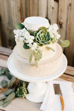Cheese Wheel Wedding Cake | Ideas + Tips | The TomKat Studio @realcalifmilk #weddings #cheese #weddingcake