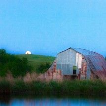 Moonset Barn