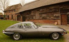 Jaguar E-Type Borrani Wire Wheels Jaguar Type, Jaguar Xk, Jaguar Cars, Aston Martin Lagonda, Cool Sports Cars, E Type, Car Shop, Car Pictures, Car Pics