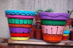 Home Decoration Ideas and Design Architecture. DIY and Crafts for your home renovation projects. Flower Pot Art, Flower Pot Crafts, Clay Pot Crafts, Diy Crafts, Ceramic Pots, Terracotta Pots, Clay Pots, Painted Plant Pots, Painted Flower Pots