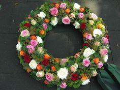Lily Deluxe Blumen - Trauerkranz