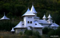 Sibiel Romania Travel, Places To Go, Mansions, Country, House Styles, Home Decor, Decoration Home, Rural Area, Room Decor