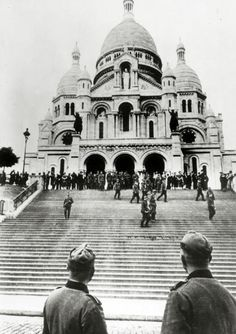 War and Conflict, World War II, pic: 1940, German troops in Paris, after the defeat of France, as a large group visit Sacre Coeur (Photo by Popperfoto/Getty Images)