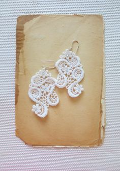 Ivory Lace Earrings - Romantic Dangle Bridal Earrings - Rhinestone - Ariadne -