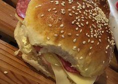 A legfinomabb házi zsömle! Bread Recipes, Cooking Recipes, Nigella, Bread Rolls, Hamburger, Asos, Food And Drink, Chicken, Ethnic Recipes