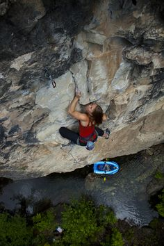 www.boulderingonline.pl Rock climbing and bouldering pictures and news 10 Rules for Climbin