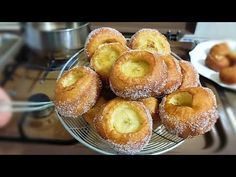 super mäkké a lacné! všetci ich majú radi! - YouTube Beignets, Doughnut, Cake Recipes, Muffin, Cooking, Breakfast, Desserts, Youtube, Cake