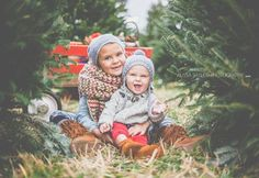 Christmas Tree Farm Family Shoot by Alissa Saylor Photography....I have always wanted to do a Christmas tree farm for a location...love this!